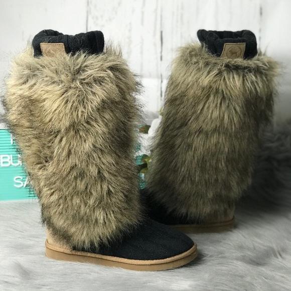 8437f98f71 Pink Victoria Secret Fur Sweater Boots Size 7-8 M.  M 5aa07236a825a66db73d20b2
